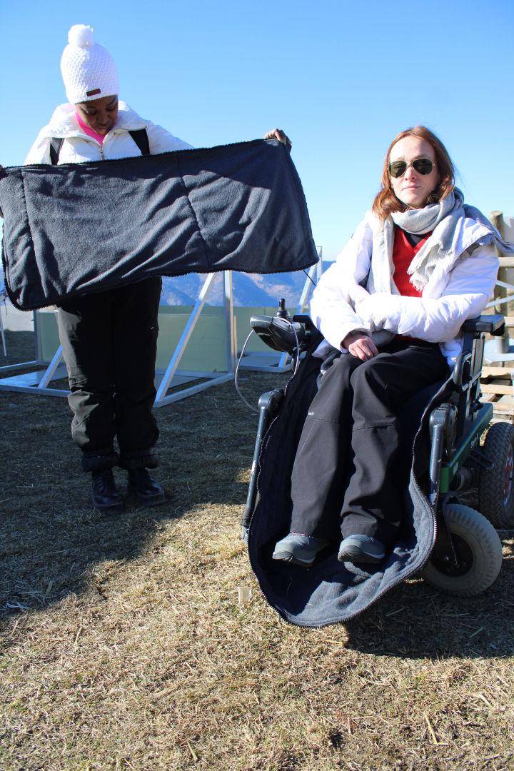 Chaufette Mise en place et utilisation de la chaufette ReyBok pour fauteuil roulant électrique